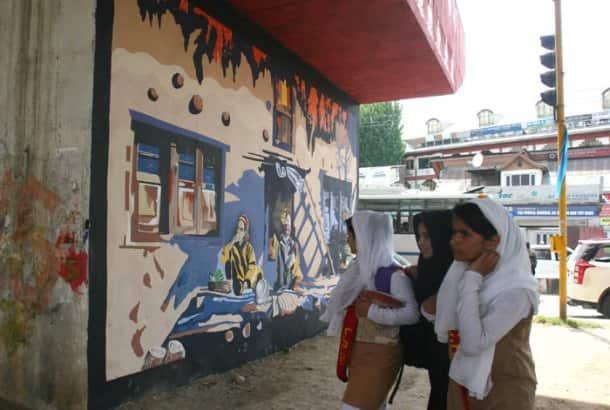 kashmir, Kashmir wall mural, srinagar wall mural, srinagar wall paintings, SMC, Srinagar Municipal Corporation, Tufail Matoo, Kashmir University, Kashmir University students, J&K news, Kashmir photos, Jammu and Kashmir photos, India news