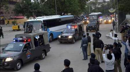 Cricket returns to Pakistan, amid tight security