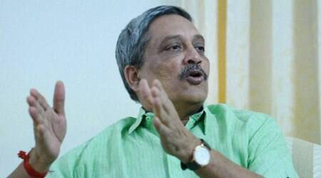 "Manohar Parrikar blames AK Antony for creating ""stalemate"" in Defence Ministry"