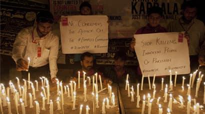 Karachi, Karachi Terror Attack, Karachi Gunmen Attack, Karachi Bus Attack, Karachi Terrorist Attack, Karachi Bus Attack by Gunmen, Gunmen Attack Bus In Karachi, Terror attack in Karachi, india news, Karachi News, Pakistan News