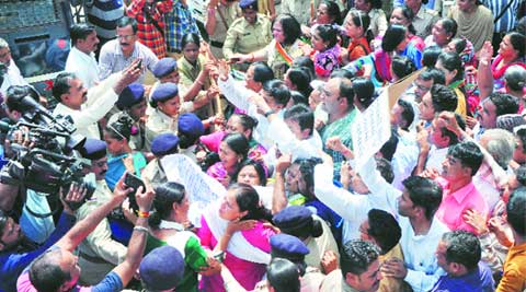 BJP, Congress workers, protest