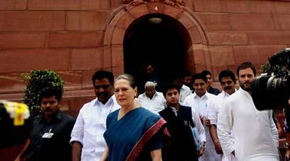 Sonia, Rahul arrive at Parliament on Wednesday