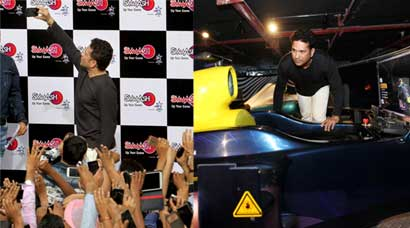 Master Blaster Sachin Tendulkar enthralls massive crowd in Gurgaon