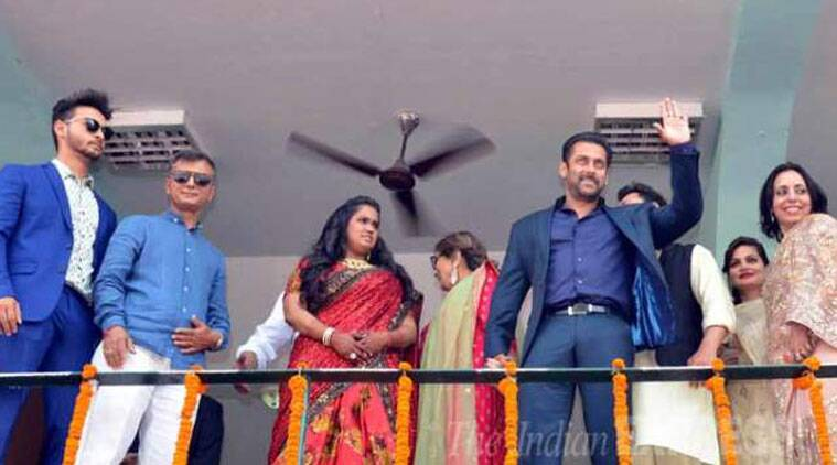 """Salman Khan at sister's reception in Mandi, says """"have come here to hand over Arpita, who is my heart"""""""