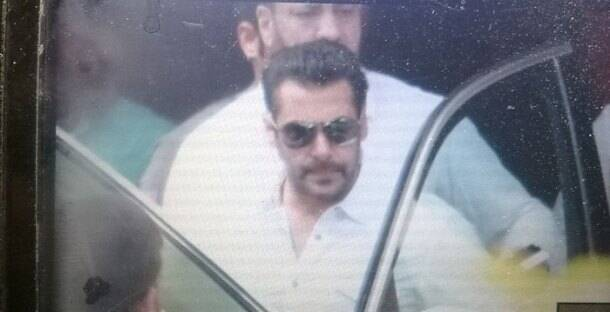 Salman Khan, Salman Khan hit and run case, Salman Khan 2002 hit and run case, salman Khan court photos