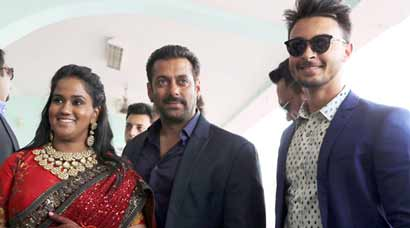 Salman Khan at sister Arpita Khan Sharma's wedding reception