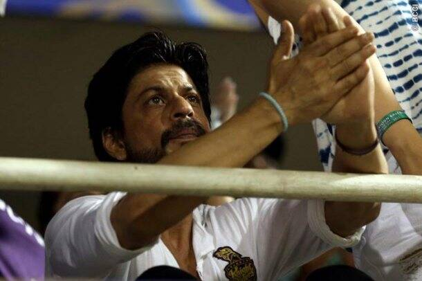 Shah Rukh Khan watches KKR vs RR with youngest son AbRam