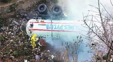 Tanker carrying liquid ammonia overturns inThane