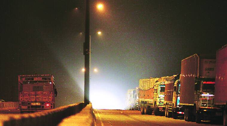 delhi, delhi air pollution, delhi pollution, automobile pollution, delhi trucks, delhi air quality, delhi environment pollution, delhi latest news
