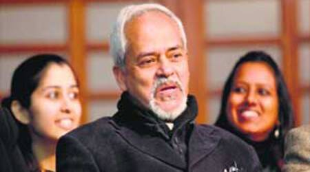 Valson Thampu's flip-flop on Facebook: Posts about 'vixen' novel, deletes it
