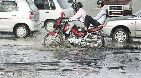 delhi rain, delhi waterlogging, rainwater, water on streets, delhi rain on street, delhi news, india news, rain news, delhi high court