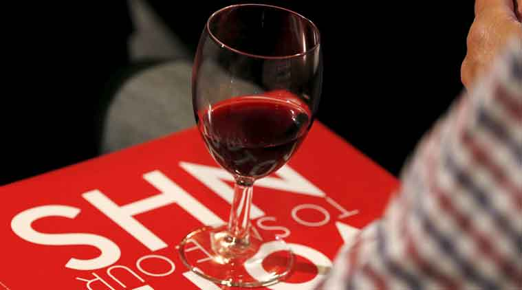wine, price tag