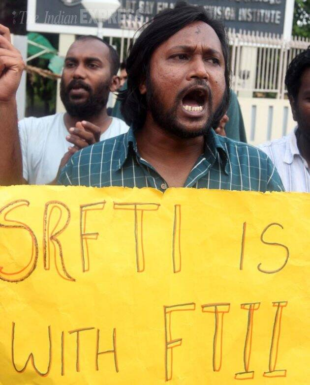 Gajendra Chauhan, FTII, SRFTI, FTII students Protest, FTII against Gajendra Chauhan, SRFTI Students protest, SRFTI support FTII, Gajendra Chauhan removal, Gajendra Chauhan Resignation, Gajendra Chauhan FTII, Gajendra Chauhan SRFTI, FTII Pune, SRFTI Kolkata, Pune, Kolkata