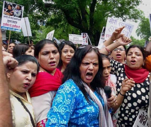 government of delhi, Narendra Modi, Arvind Kejriwal, aam aadmi party, Lalit Modi, Smriti Irani, Sushma Swaraj, Vasundhra Raje, Pankaja Munde, aap protests in Delhi, aap, bhartiya janta party, bjp, Lalit modi row, sushma lalit, Lalit Suhma, bjp leaders, New Delhi, Indian Express, the indian express