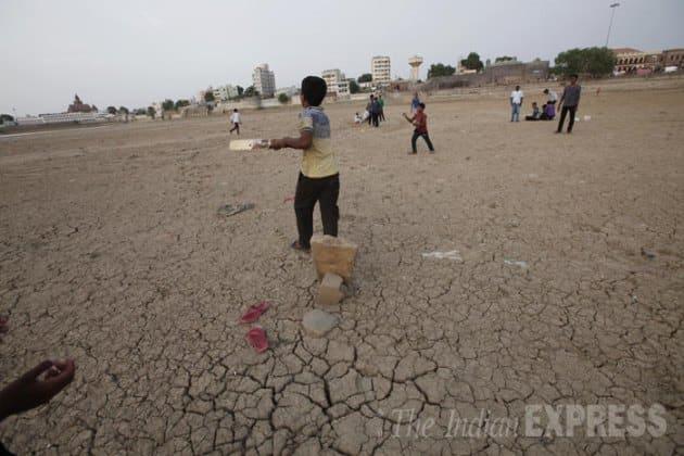 Hamirsar Lake, Narayann Sarovar, Great Rann of Kutch, Kutch District, Bhuj, Gujarat, Manaba Village, Rapar Taluka, Lakhpat Taluka, Hamirsar lake Dried, Arabian Sea, Bhekhda village, Kutch Lake Dried