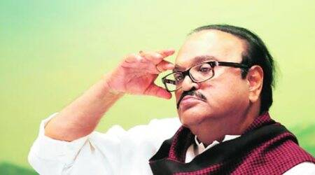 Supriya meets Bhujbal in jail