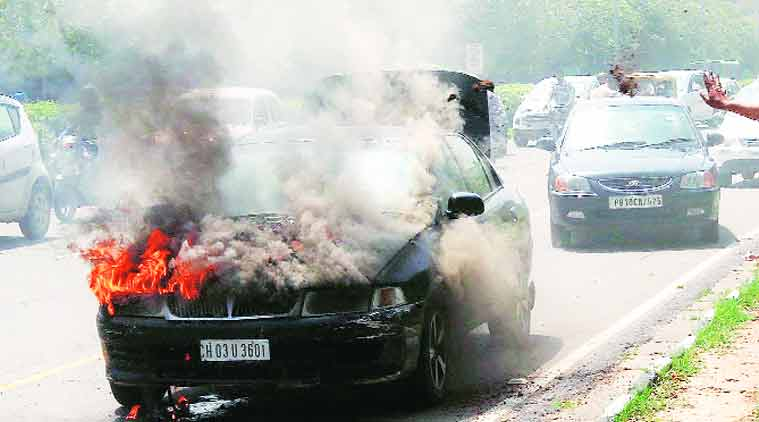 car fire, car accident, road accident, chandigarh traffic, traffic police, HID lamps, chandigarh news, city new, local news, chandigarh newsline, Indian Express