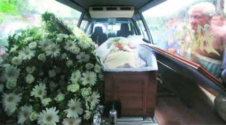 Family and friends bid final goodbye to Charles Correa
