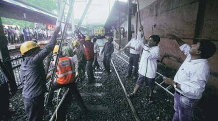 Wire snag at Dadar hits Central Railway, 55 train services cancelled