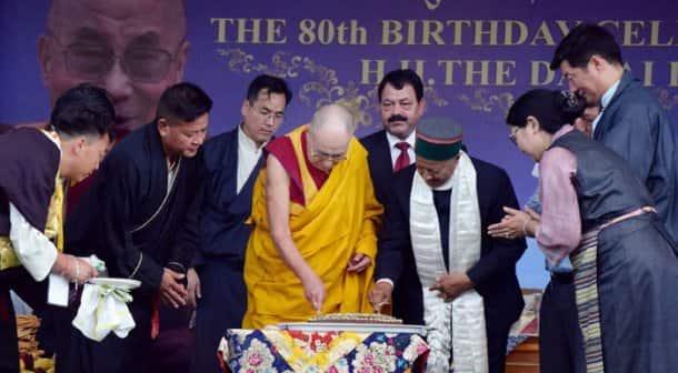 dalai lama, dalai lama birthday, birthday celebrations of dalai lama, dalai lama birthday celebrations, dalai lama birthday, Himachal Pradesh CM, Virbhadra Singh, HP CM Virbhadra Singh, Virbhadra Singh dalai Lama, dalai lama birthday photo, Tibetan guru birthday, dalai lama birthday photos, india news, latest news