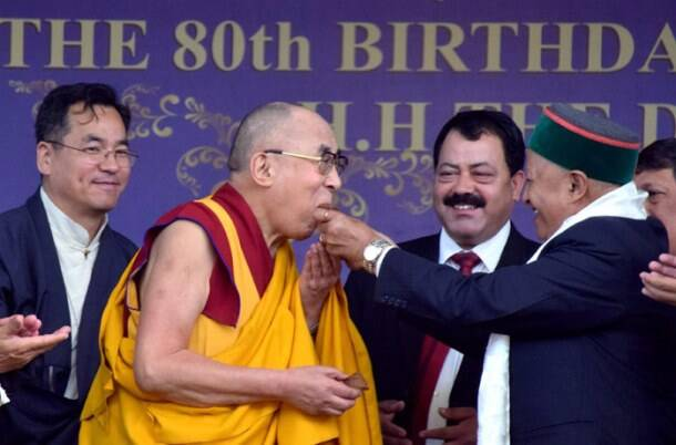 dalai lama, dalai lama birthday, birthday celebrations of dalai lama, dalai lama birthday celebrations, dalai lama birthday, Himachal Pradesh CM, Virbhadra Singh, HP CM Virbhadra Singh, Virbhadra Singh dalai Lama, dalai lama birthday photo, Tibetan guru birthday, dalai lama birthday photos, india news, latest news