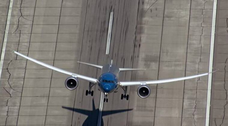 A screenshot from the video showing the Boeing Dreamliner 787-9 on a steep takeoff during a rehearsal ahead of Paris Air show (Courtesy: Boeing/YouTube)