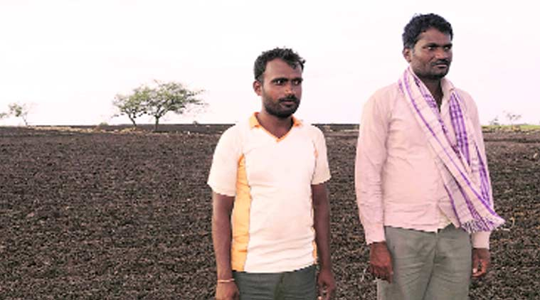 drought, maharashtra drought, drought-hit farmers, indian farmers, black soil, mumbai news, city news, local news, maharashtra news, Indian Express
