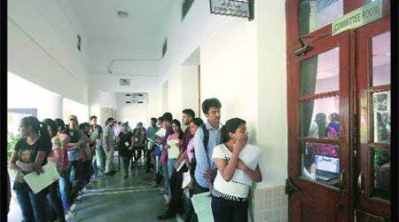 In top Delhi University colleges, cut-offs find few takers