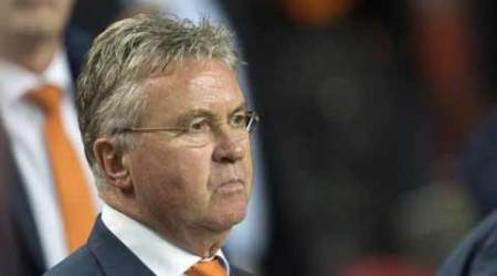 Netherlands pull plug on Guus Hiddink