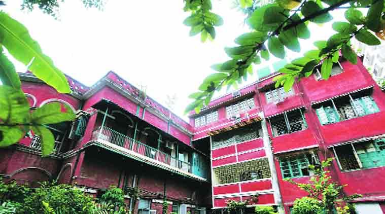Kolkata, House of horrors, Kolkata House of horrors, kolkata house at 3, Robinson Street Kolkata, Kolkata man living with skeletons of sister, kolkata man, kolkata news, india news, indian express news