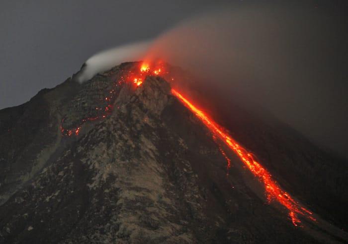 indonesia, indonesia volcano photos, photos indonesia volcano, Mount Sinabung, Sinabung erupts, Sinabung photos, Sinabung volcano, Sinabung volano photos, indonesia evacuation, indonesia news, world news