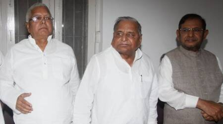 Nitish Kumar is chief ministerial candidate for Bihar polls: Mulayam