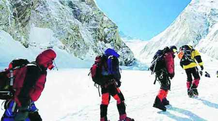 Pakistan army rescues two injured British climbers