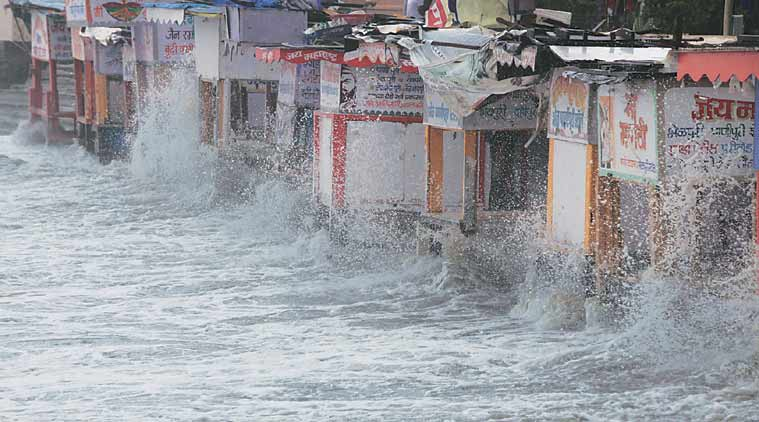 mumbai tide, tide, mumbai monsoon, heavy rain, mumbai rain, mumbai news, city news, local news, Indian Express