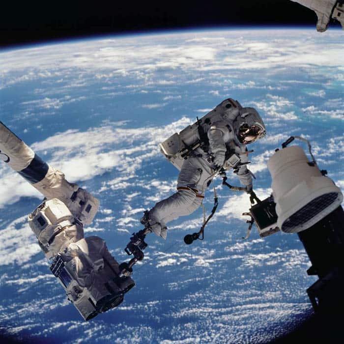 صور من الفضاء الخارجى