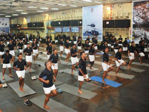 international yoga day, yoga day, indian army yoga, army yoga day, indian navy yoga day, navy yoga practise, indian army yoga rehearsal, PM Modi, Narendra Modi, June 21 Yoga Day, Yoga day photos, Indian army photos, indian navy photos