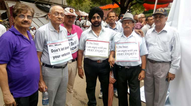 orop, orop protest, one rank one pension, ex-servicemen protest, armymen pension protest, orop protest hunger strike, orop hunger strike, one rank one pension protest, 50th anniversary of 1965 war, 1965 war victory celebration, india news, nation news