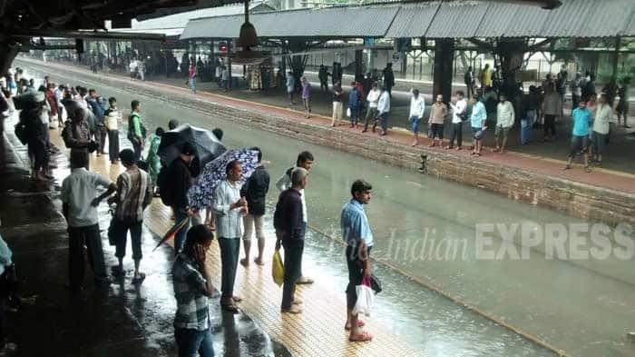 Mumbai rains, Mumbai rains today, mumbai heavy rains, mumbai trains, Mumbai rains news, mumbai rains 2015, mumbai rains forecast, rain in Mumbai, harbour line, trans-harbour line, Mumbai monsoon, Mumbai rainfall, mumbai news, latest news, maharashtra news