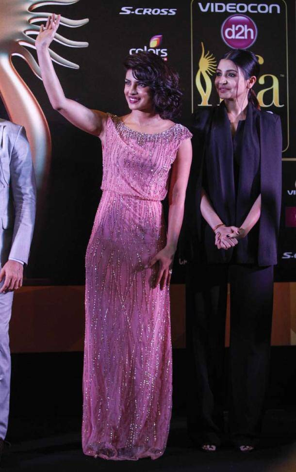 IIFA awards, IIFA awards 2015, IIFA 2015, dil dhadakne do, dil dhadakne do screening, priyanka chopra, dil dhadakne do screening IIFA, IIFA, ranveer singh, anil kapoor, farhan akhtar, anushka sharma, zoya akhtra, anil kapoor, shefali shah, ritesh sidwani, entertainment news, priyanka chopra at IIFA, anushka sharma at IIFA, priyanka anushka at iIfa, anil kapoor at IIFa, dil dhadakne do movie, dil dhadakne do cast, entertainment news