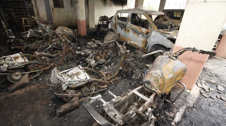 pune vehicles burnt, pune  Vehicles torched, pune Sun city, Pune, Vehicles torched, pune Sinhagad Road, pune news, indian express news