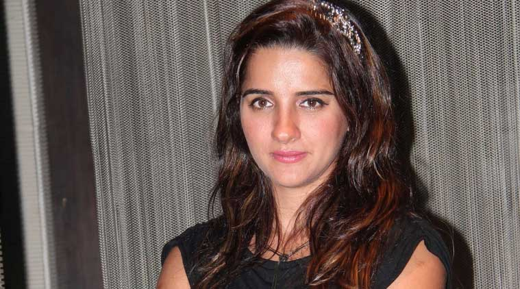 Shruti Seth found out the hard way for tweeting against #SelfiewithDaughter.
