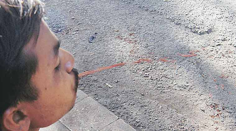 spitting, spitting on road, spitting in public, mumbai spitting on road, mumbai spitting in public, deepak sawant, mumbai spitting, spit, mumbai news, india news