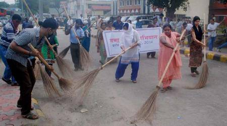 Chandigarh: Cleanliness drive held at PU StudentCentre