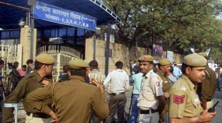 Tihar guard was removed from duty minutes before escape, finds probe