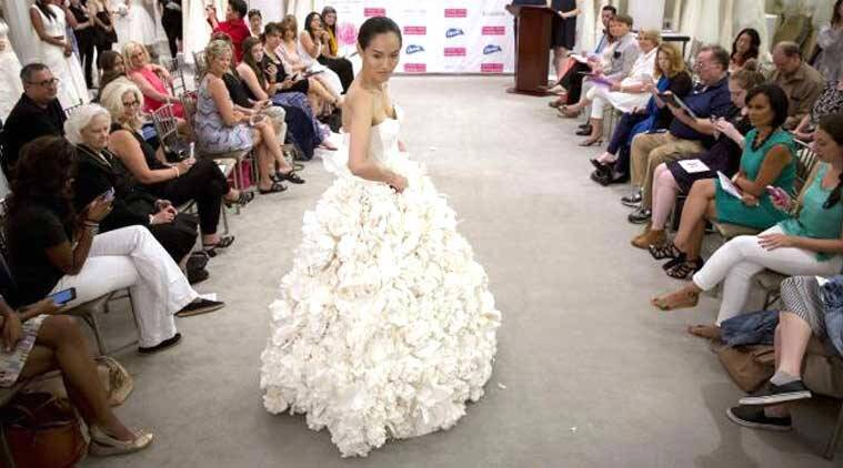 different wedding dress, special bridal wear, fashion show, designer bridal wear, bridal wear made of toilet paper, wedding dress, bridal wear, perfect bridal dress, fabric of dridal dresses, wedding wear, bridal outfit, models as brides, Wedding Dress Contest, Carol Touchstone, models