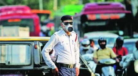 Delhi: Traffic cops told not to issue challan during peakhours