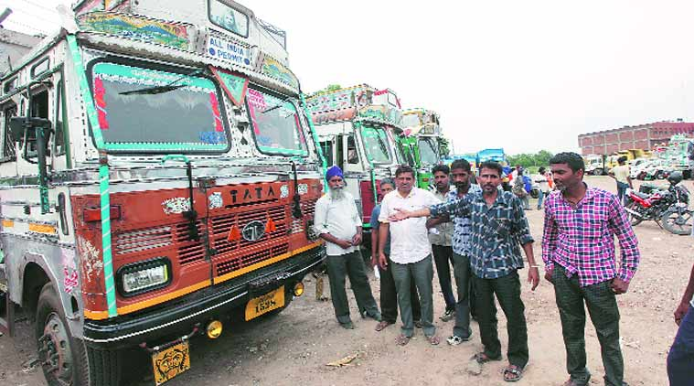 truck driver, truck driver protest, drivers protest, vehicle ban protest, diesel vehicle ban protest, petrol vehicle ban protest, NGT, chandigarh news, city news, local news, chandigarh newsline, Indian Express