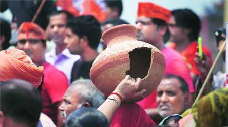 Water shortage in city's South opens tap of BJP protests