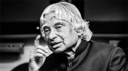 Wrapped in tricolour, A P J Abdul Kalam's body flown to Delhi