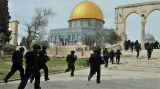 Israeli authorities close Al-Aqsa mosque to non-Muslims after violence
